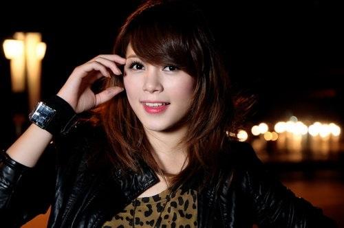 Khuôn mặt đẹp dễ thương của Linh Rin