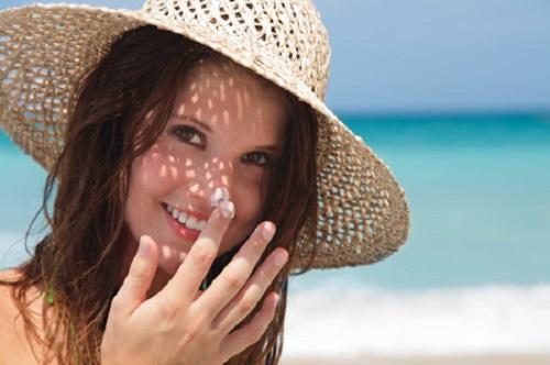 Bảo vệ da khỏi ánh nắng mặt trời giúp mang lại cho bạn làn da mịn màng
