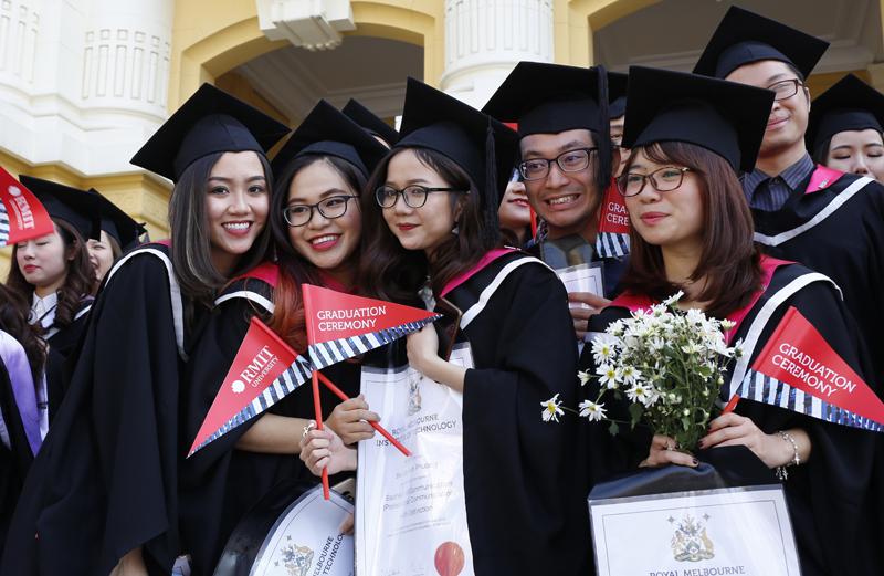 """Top 10 Trường Đại học có mức học phí """"khủng"""" dành cho con nhà giàu"""
