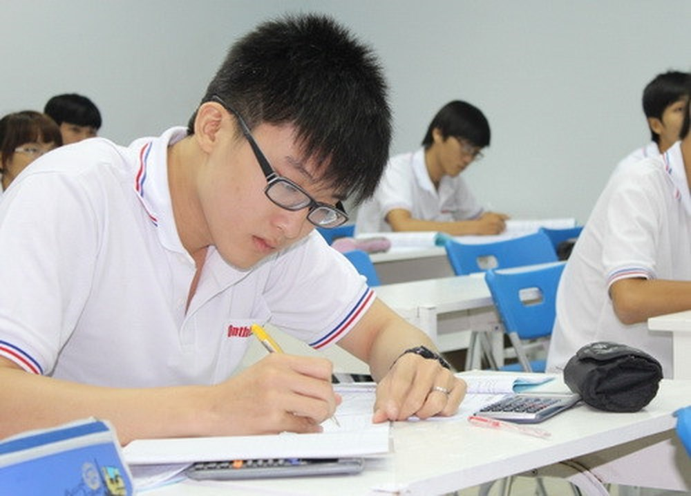Khoanh vùng nội dung ôn tập giúp thí sinh đạt từ 7-9 điểm môn Vật Lý THPT Quốc gia
