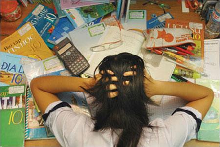Thí sinh không nên học ngày học đêm