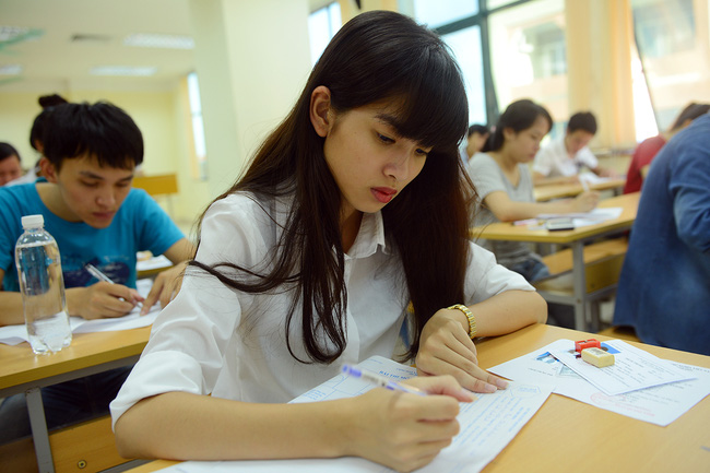 Những quy định và hiệu lệnh quan trọng khi làm bài thi THPT Quốc gia 2018