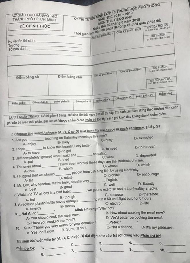 Đề thi môn Tiếng Anh vào lớp 10 chiều 2/6 tại Sài Gòn:
