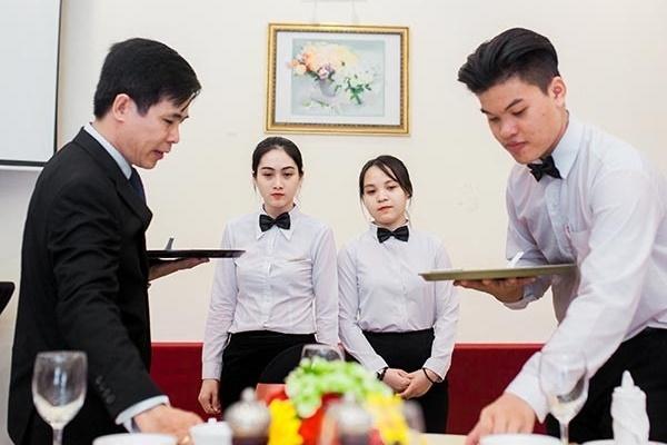 NgànhQuản trị nhà hàng và dịch vụ ăn uống học ở đâu?