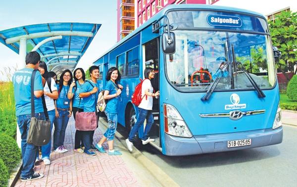 Sinh viên năm nhất đi xe buýt cần lưu ý những gì?