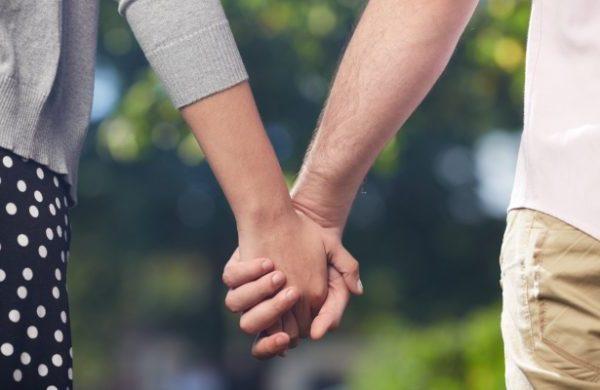 Lứa tuổi sinh viên có nên yêu hay không?
