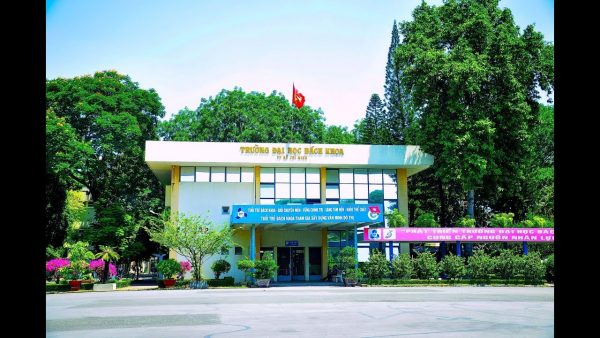Trường ĐH Bách Khoa tăng học phí năm học 2021-2022