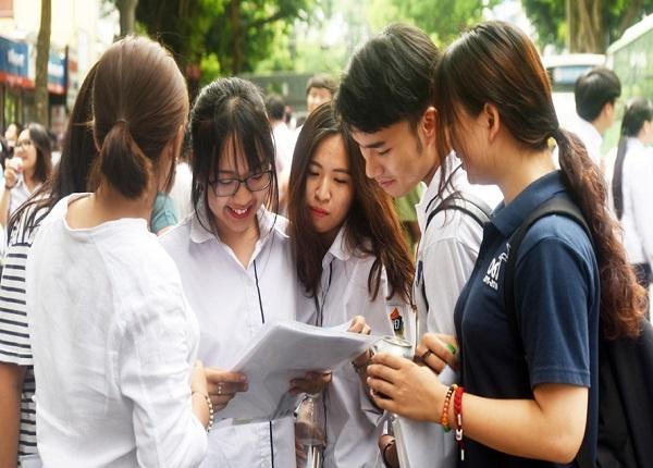 <center><em>Ai được tuyển thẳng đại học năm 2021?</em></center>>