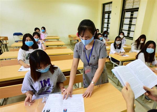 Thí sinh thi THPT quốc gia chính thức trong 2 ngày