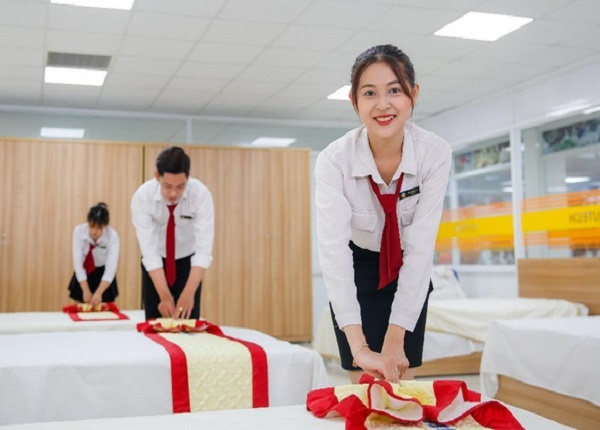 <center><em>Nhóm ngành Du lịch - Nhà hàng - Khách sạn vẫn thu hút đông đảo thí sinh xét tuyển</em></center>