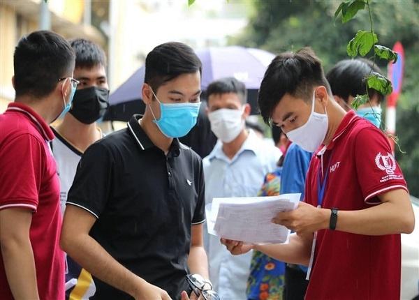 <center><em>Đại học Bách khoa Hà Nội hoãn kỳ thi đánh giá tư duy</em></center>