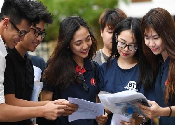 Cuộc sống xa nhà của các tân sinh viên có gì khác?