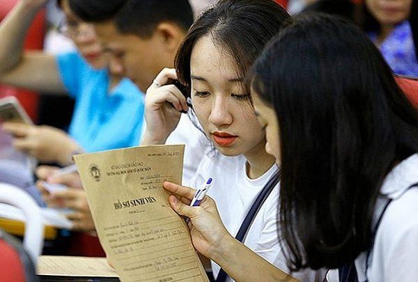 Trước khi lên nhập học nên chuẩn bị đầy đủ giấy tờ