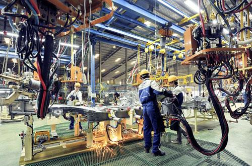 Công nghiệp hóa hiện đại hóa dần thay thế sức lao động cho con người