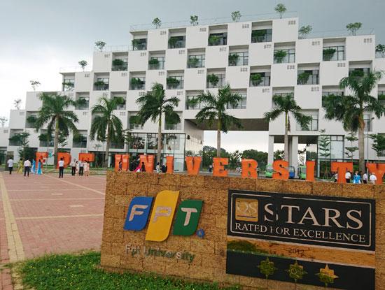 FPT là trường Đại học đầu tiên tại Việt Nam chấp nhận thu học phí bằng bicotin