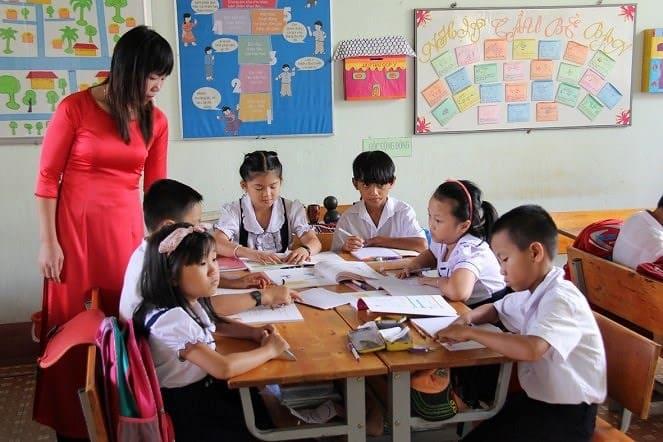 Đổi mới chương trình đào tạo giáo viên tiểu học