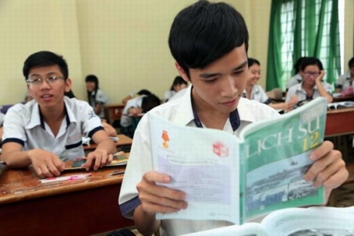 Học hết quyển sách giáo khoa Lịch sử liệu có được điểm 10 THPT Quốc gia?a