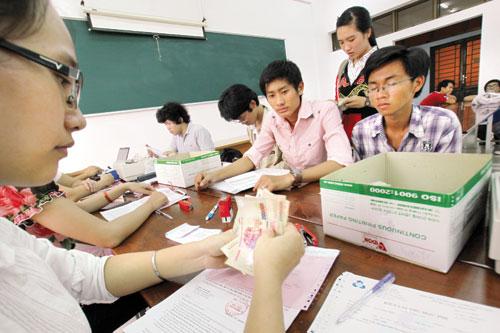 Sinh viên phải đối mặt với khoản vay vốn ngân hàng